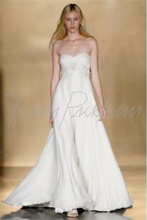 Best wedding dress for plus size apple shape wedding for Wedding dress for apple shaped plus size