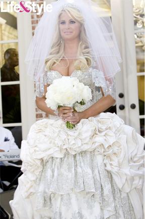 Nikki Reed wearing Tacori Kim Zolciak wearing Baracci