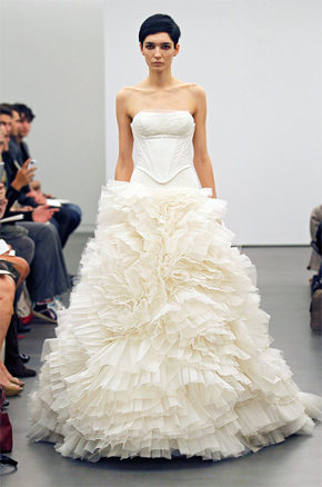 Vera wang fall 2013 bridal collection preowned wedding for Vera wang wedding dress used