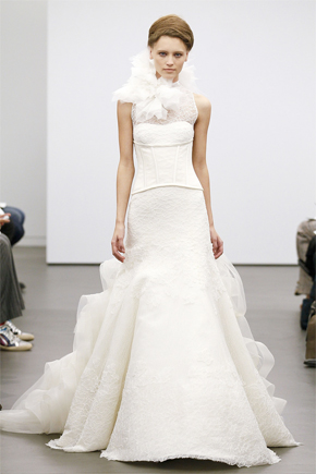 f6fe834a6f10a Vera Wang Fall 2013 Bridal Collection | PreOwned Wedding Dresses