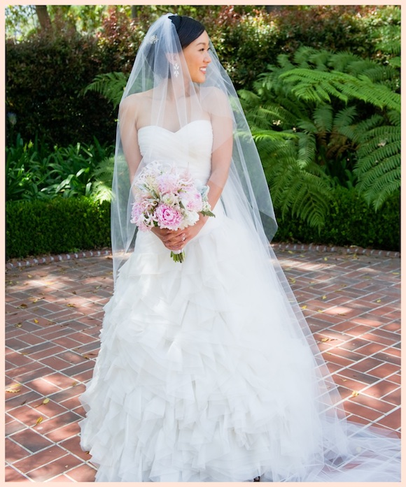 Pre Owned Wedding Gowns: Monique Lhuillier Wedding From Chenin