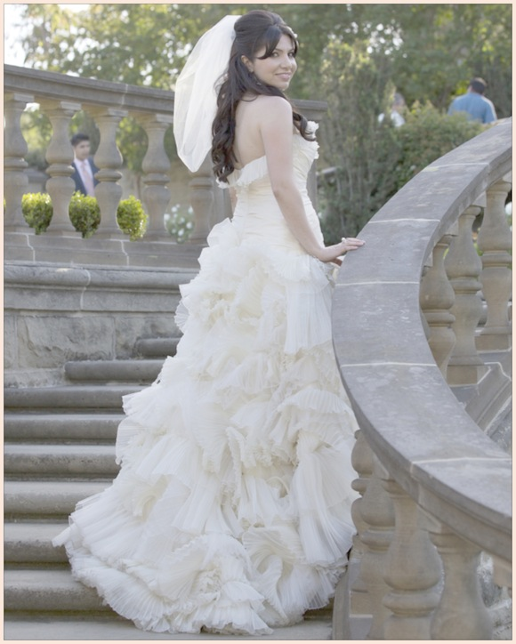 Preowned Wedding Gown: Rivini Wedding From Roberto Valenzuela