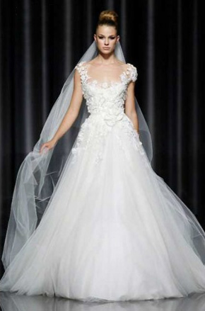 Tulle wedding dresses preowned wedding dresses elie junglespirit Gallery