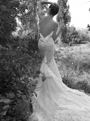 Inbal Dror 13-14, for sale on PreOwnedWeddingDresses.com