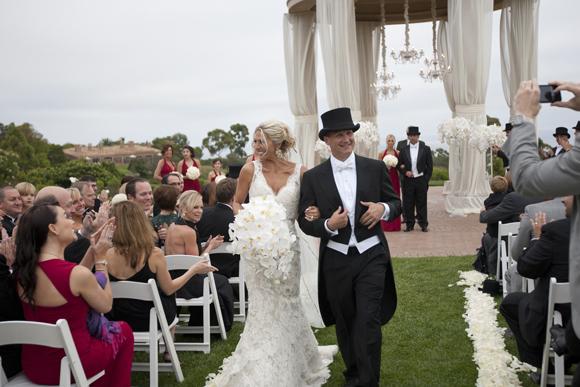 Real-Weddings,-PreOwnedWeddingDresses.com_12