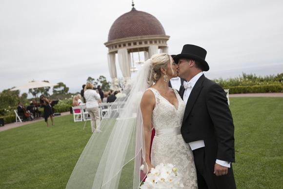 Real-Weddings,-PreOwnedWeddingDresses.com_13