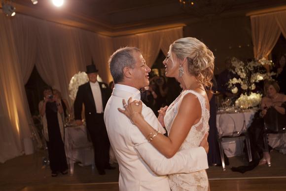 Real-Weddings,-PreOwnedWeddingDresses.com_25