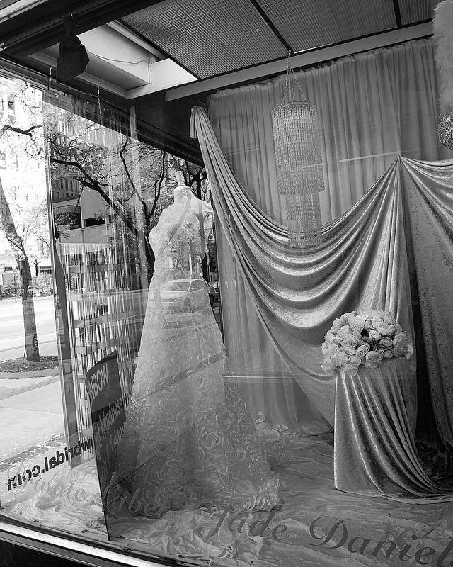 Finding Your Dream Wedding Dress | PreOwnedWeddingDresses.com