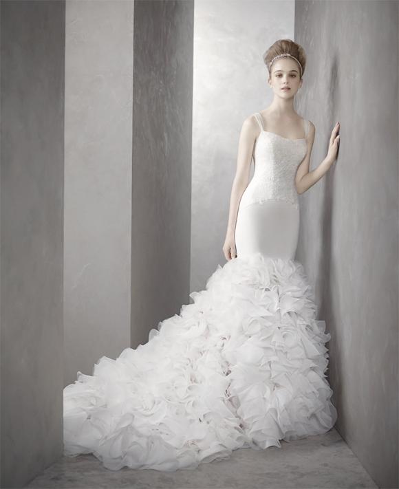 Luxe For Less Kim Kardashian S Vera Wang Reception Dress