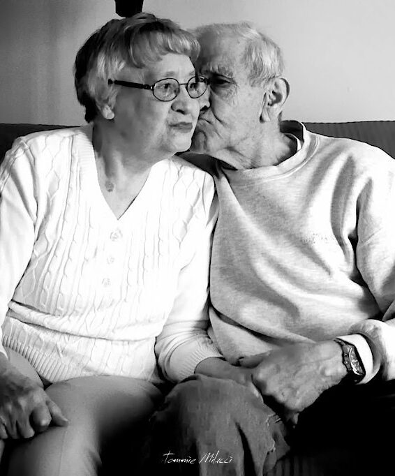 old couple vow renewal