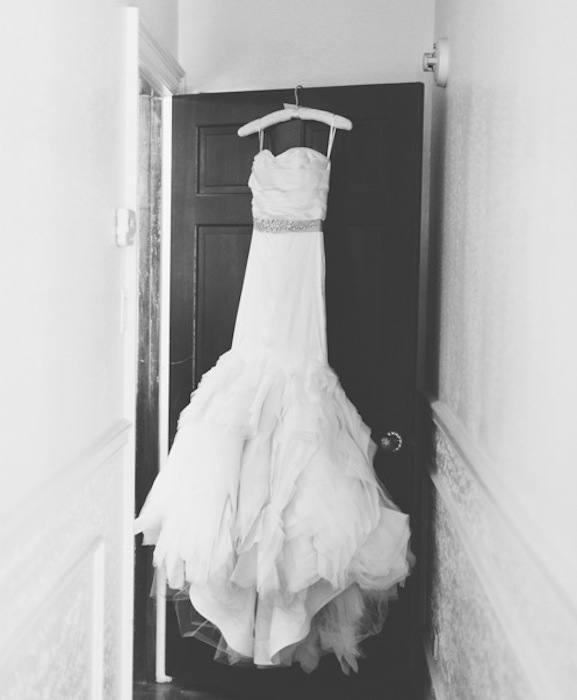 Vera Wang Ethel | Real Wedding Inspiration | PreOwned Wedding Dresses