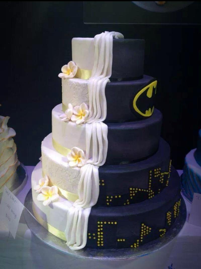 10 Creative Wedding Cakes To Inspire