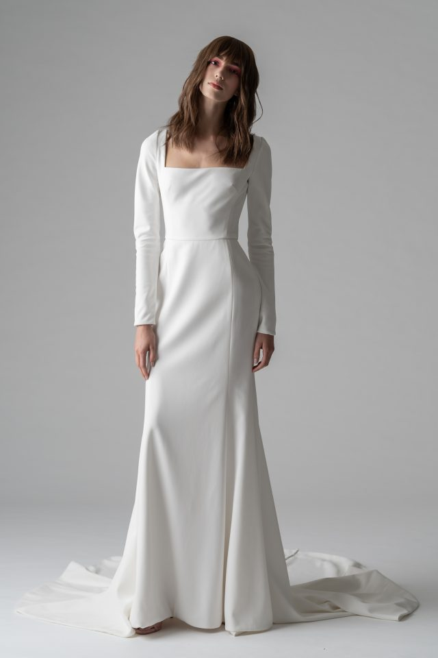 quant riven wedding gown