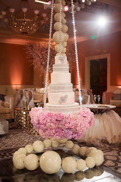 Quirky Cute Wedding Cakes | PreOwnedWeddingDresses.com