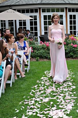 13-PreOwnedWeddingDresses.com-Real-Weddings