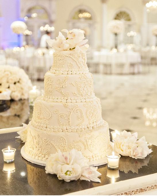 14-PreOwnedWeddingDresses.com-Real-Weddings
