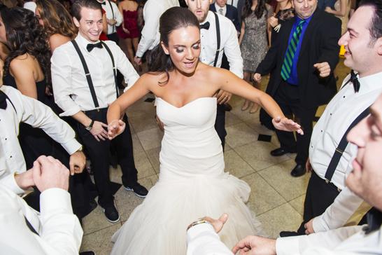 17-PreOwnedWeddingDresses.com-Real-Weddings