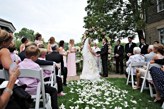 18-PreOwnedWeddingDresses.com-Real-Weddings