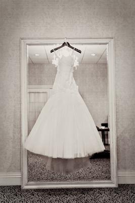 2-PreOwnedWeddingDresses.com-Real-Weddings
