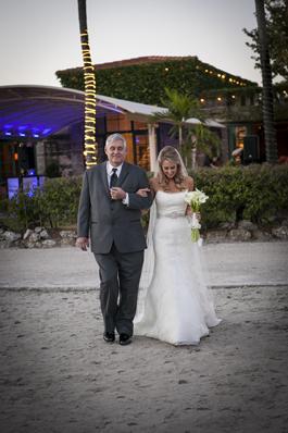 21-PreOwnedWeddingDresses.com-Real-Weddings