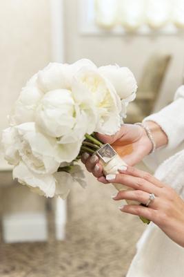 4-PreOwnedWeddingDresses.com-Real-Weddings