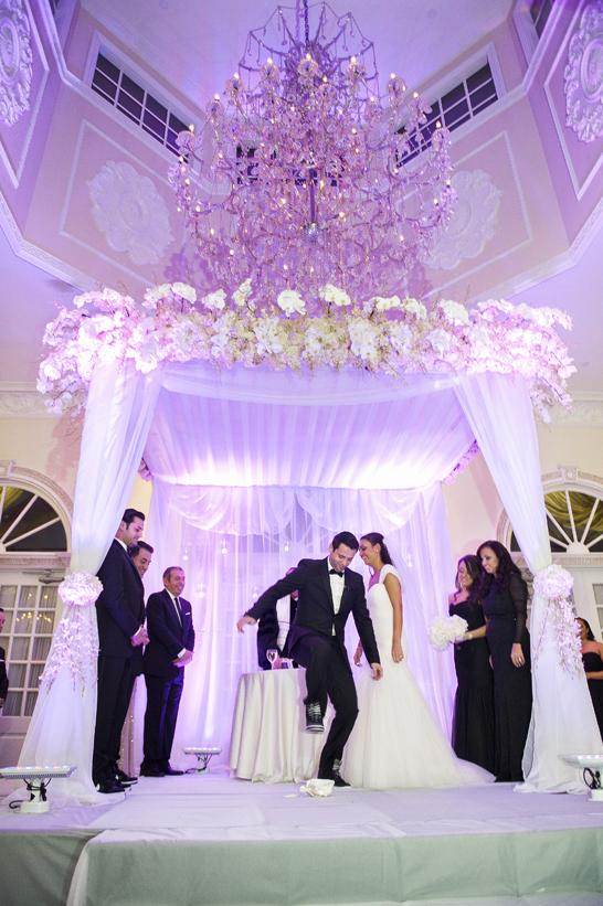 8-PreOwnedWeddingDresses.com-Real-Weddings