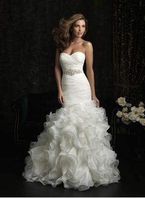Allure Bridals 8966 on PreOwnedWeddingDresses.com