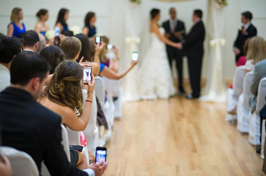 Tips for an Unplugged Wedding   PreOwnedWeddingDresses.com