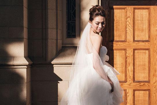 Vera Wang White, VW351065 | PreOwnedWeddingDresses.com