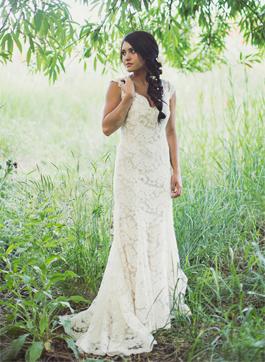 Monique Lhuillier Scarlet for sale on PreOwnedWeddingDresses.com