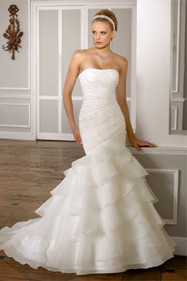 Mori Lee Wedding Dress for sale on PreOwnedWeddingDresses.com