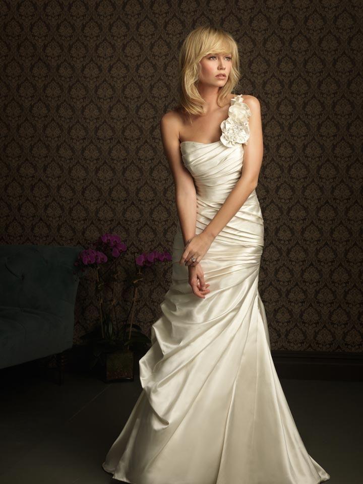 beautiful vow renewal dress