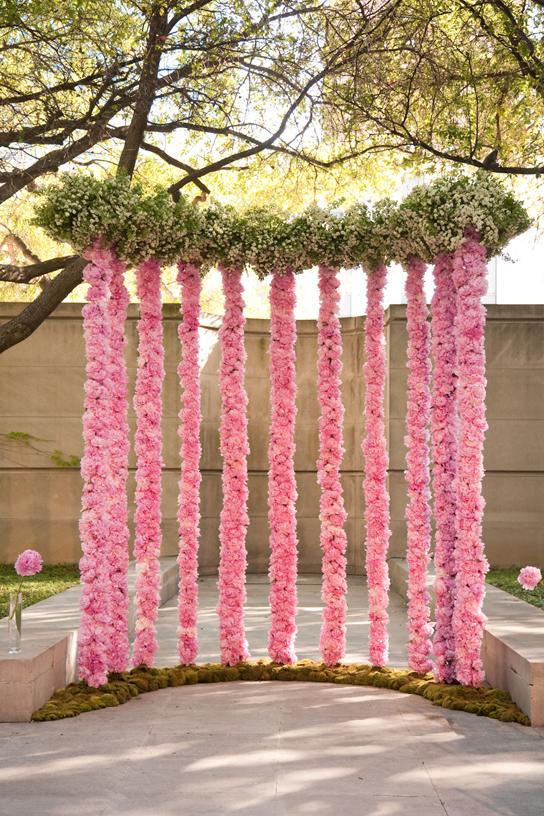 10 creative wedding ceremony backdrops preowned wedding for Backdrop decoration for wedding