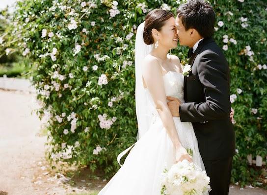 Wedding Dresses Under 500: Real Wedding Inspiration