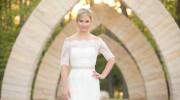 Enzoani Dakota | PreOwnedWeddingDresses.com