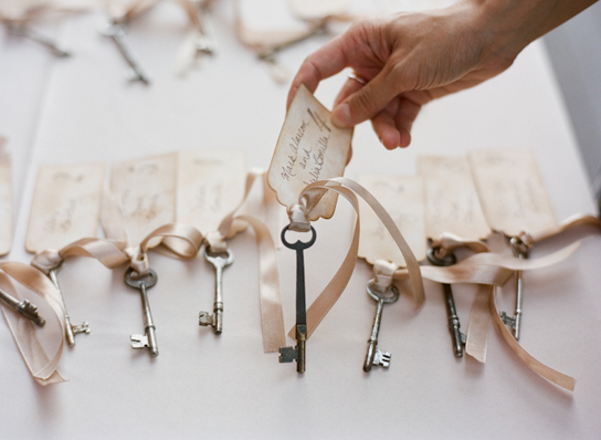 13 Creative Pretty Escort Card Displays Preowned Wedding Dresses