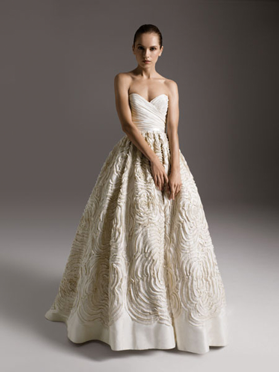 Amsale Dahlia on PreOwnedWeddingDresses.com