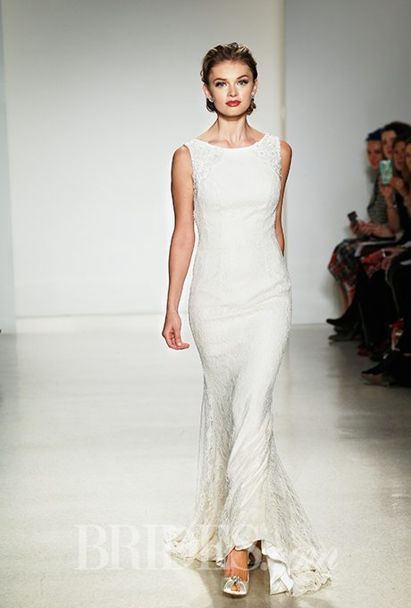 I do take two casual wedding gowns with simple style for for Simple second wedding dresses