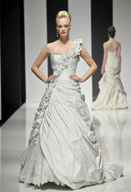 Ian Stuart Soufriere wedding dress
