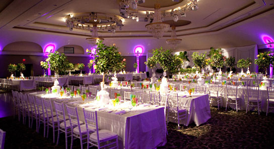 12 Incredible Long Tables at Weddings | PreOwned Wedding Dresses