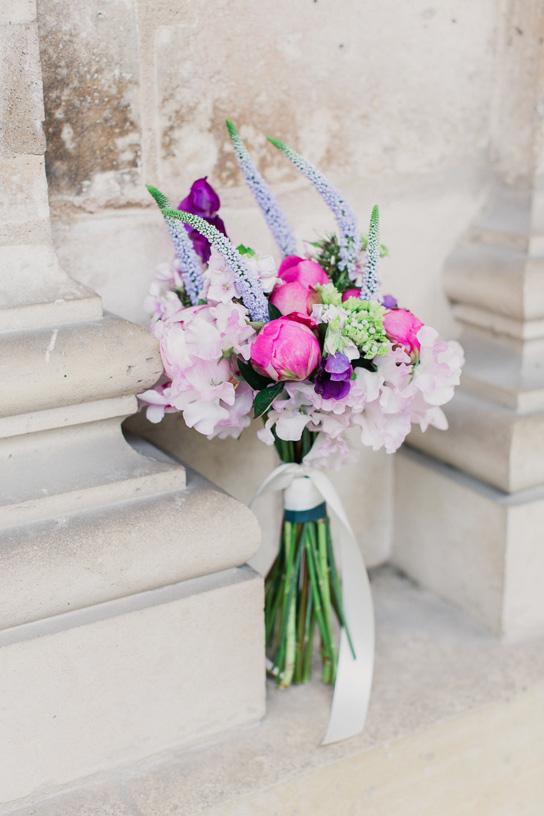 Bold + Bright Bridal Bouquets | PreOwnedWeddingDresses.com