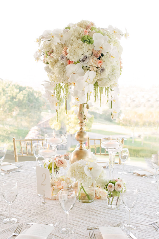 16 Tall And Dramatic Wedding Centerpieces