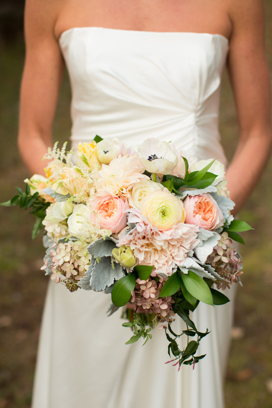 Perfectly Pretty Bridal Bouquets | PreOwnedWeddingDresses.com