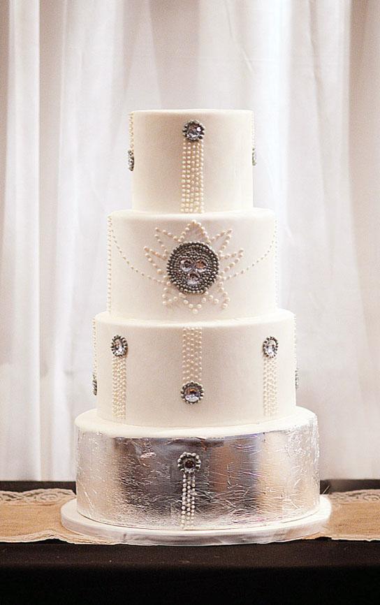Intricate Wedding Cake Inspiration | PreOwnedWeddingDresses.com