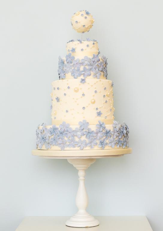 Intricate Wedding Cake Inspiration   PreOwnedWeddingDresses.com