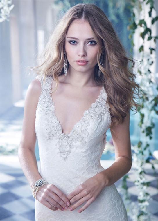 Alvina Valenta 9400 wedding dress