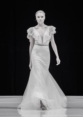 Zahvit Tshuba Anastasia wedding dress