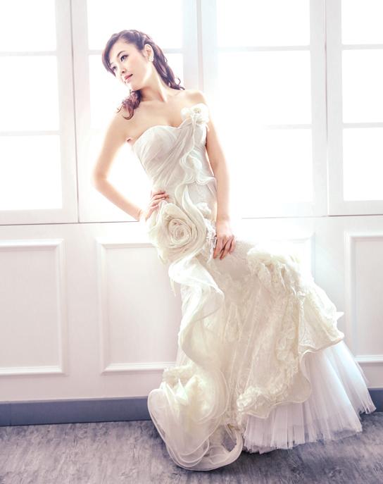 Twelve Wedding Dresses!   PreOwned Wedding Dresses