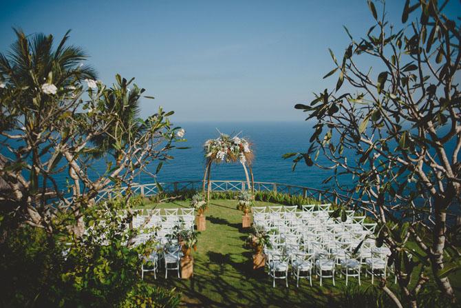 Incredible Outdoor Ceremonies   PreOwnedWeddingDresses.com