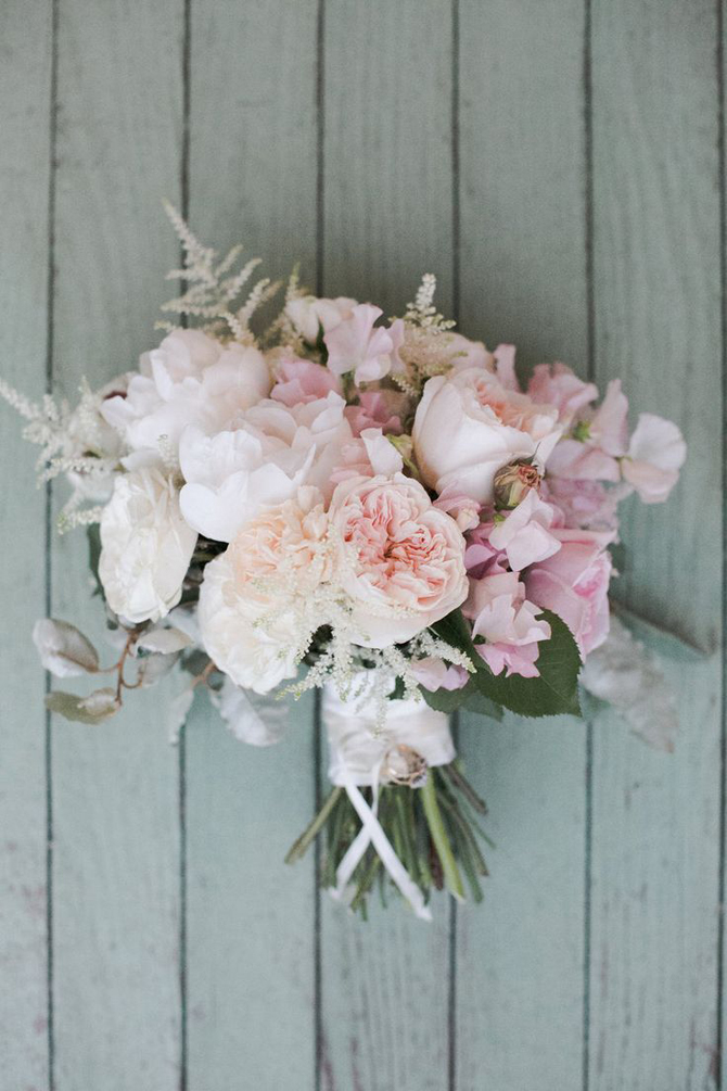 Bouquet inspiration delicate pastels preowned wedding for Pastel colored flower arrangements